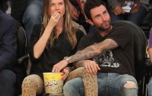 Adam Levine and sexy pic of pregnant wife, Instagram Sexy Picture, Pregnant Behati sexy picture